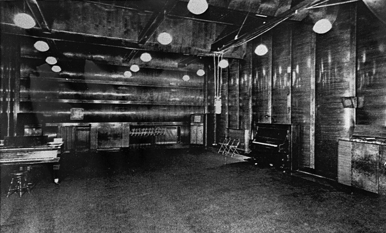 Studio Victor recording room in 1942