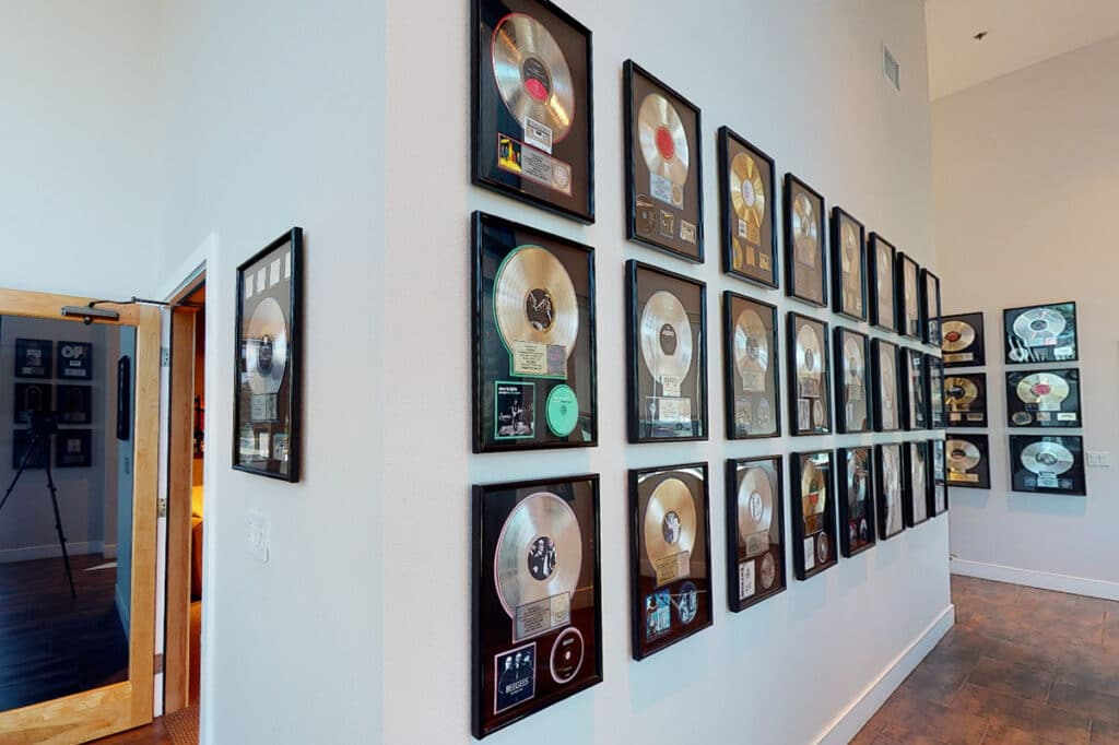 Disques or et platine
